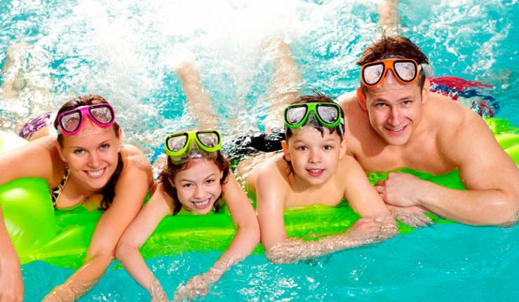 Картинки по запросу аквапарк семья